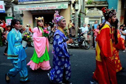 Chùm ảnh: Độc đáo Lễ hội Tết Nguyên tiêu của người Hoa ở TP. HCM - Ảnh 17
