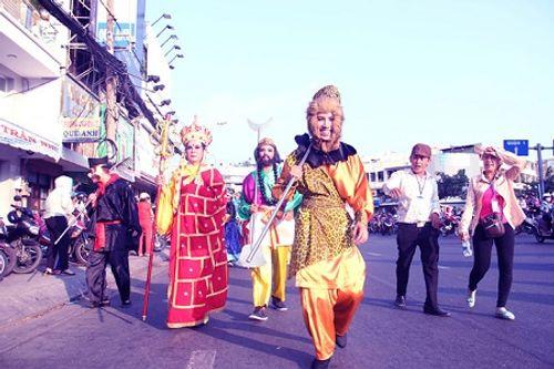 Chùm ảnh: Độc đáo Lễ hội Tết Nguyên tiêu của người Hoa ở TP. HCM - Ảnh 19