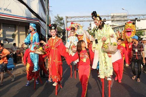 Chùm ảnh: Độc đáo Lễ hội Tết Nguyên tiêu của người Hoa ở TP. HCM - Ảnh 3