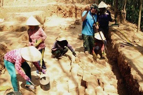 Khai quật phế tích tháp Chà Rây gần 1.000 năm tuổi ở Bình Định - Ảnh 2