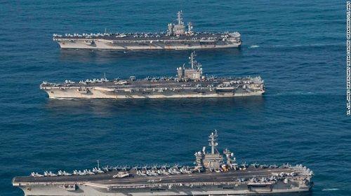 Bất chấp lời đe dọa từ Triều Tiên, 3 siêu tàu sân bay Mỹ phô diễn sức mạnh  - Ảnh 2