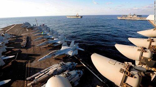 Bất chấp lời đe dọa từ Triều Tiên, 3 siêu tàu sân bay Mỹ phô diễn sức mạnh  - Ảnh 3