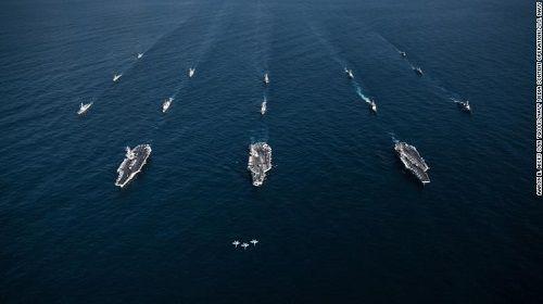 Bất chấp lời đe dọa từ Triều Tiên, 3 siêu tàu sân bay Mỹ phô diễn sức mạnh  - Ảnh 4