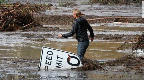 Mỹ: Sông bùn tràn vào Nam California, ít nhất 13 người thiệt mạng  - Ảnh 2