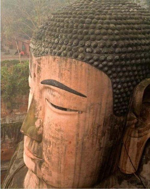 Tượng Phật nổi trên mặt nước, nhắc nhở quá khứ bị lãng quên - Ảnh 3