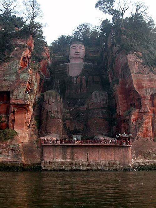 Tượng Phật nổi trên mặt nước, nhắc nhở quá khứ bị lãng quên - Ảnh 4