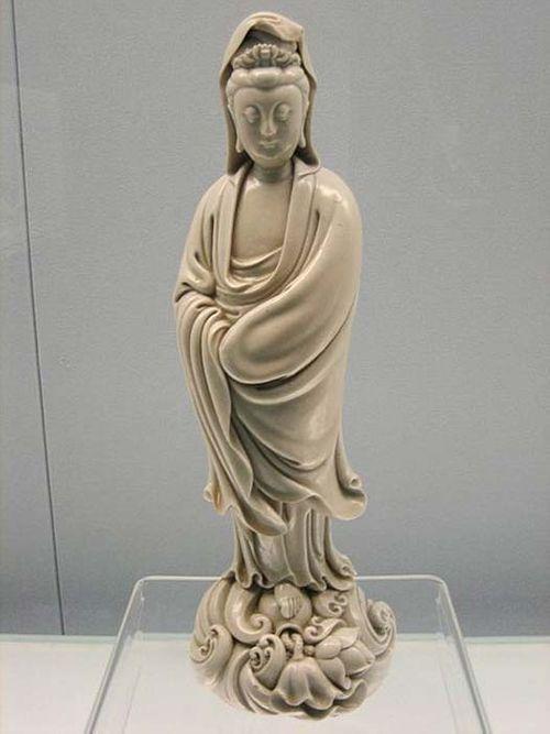 Tượng Phật nổi trên mặt nước, nhắc nhở quá khứ bị lãng quên - Ảnh 5