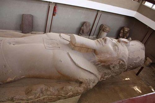 Tàn tích ngôi đền Pharaoh Ramses II được khai quật tại Giza - Ảnh 4