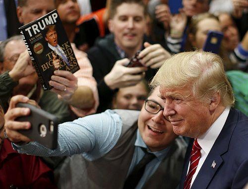 """Những """"thâm cung bí sử"""" được tiết lộ trong cuốn sách mới về ông Trump - Ảnh 3"""