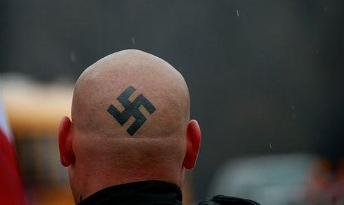 Người đàn ông Đức lĩnh án 18 tháng tù vì post hình cùng chú thích phỉ báng lên Facebook - Ảnh 2