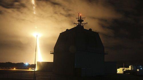 Giữa lúc căng thẳng với Triều Tiên, Mỹ thử nghiệm đánh chặn tên lửa thất bại - Ảnh 1