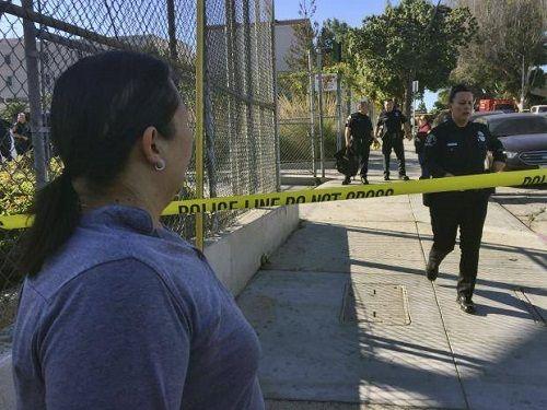 Mỹ: Xả súng ở trường học tại Los Angeles, nghi phạm là nữ sinh 12 tuổi - Ảnh 1