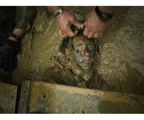 Cận cảnh khóa huấn luyện khắc nghiệt nhất của binh lính Mỹ - Ảnh 4