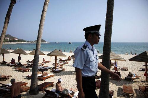 Trung Quốc cân nhắc đề xuất hợp pháp hóa đánh bạc trên đảo Hải Nam - Ảnh 1