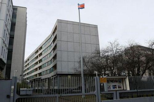 Tình báo Đức tố Triếu Tiên dùng đại sứ quán tại Berlin làm nơi nghiên cứu vũ khí hạt nhân - Ảnh 1