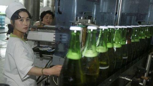 """Triều Tiên tự tin tuyên bố sản xuất bia nội địa """"hảo hạng"""" chưa từng có - Ảnh 1"""