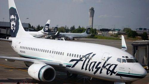 Máy bay Mỹ phải quay đầu do hành khách bỗng nhiên cởi hết quần áo - Ảnh 1