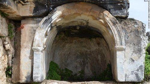 Tiết lộ những bí ẩn của 'cánh cổng địa ngục' La Mã - Ảnh 2