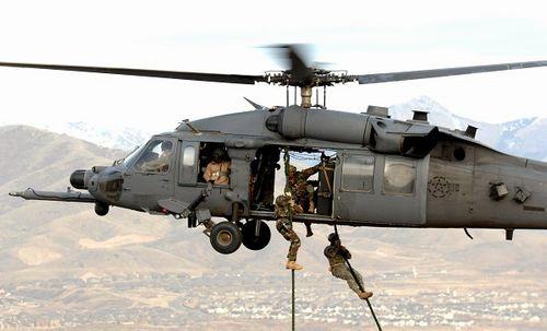 Máy bay quân sự Mỹ rơi tại phía Tây Iraq  - Ảnh 1