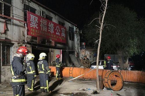 Các vụ cháy chung cư kinh hoàng khiến nhiều người thiệt mạng trên thế giới - Ảnh 1