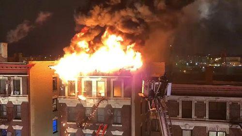 Các vụ cháy chung cư kinh hoàng khiến nhiều người thiệt mạng trên thế giới - Ảnh 3