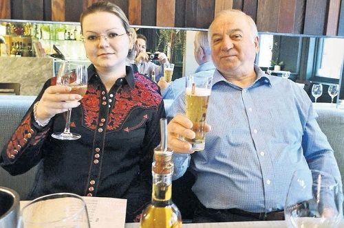 Vụ cựu gián điệp Nga bị đầu độc: Điện thoại của 2 cha con mất tín hiệu suốt 4 tiếng  - Ảnh 1