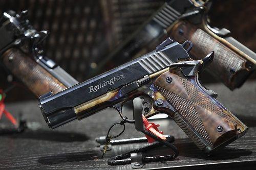 Xả súng liên miên, công ty sản xuất vũ khí lớn nhất nước Mỹ tuyên bố phá sản - Ảnh 1