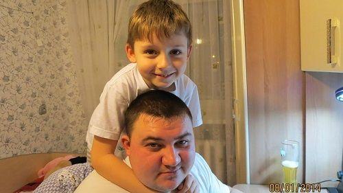 Vụ cháy ở Nga: Cậu bé 11 tuổi sống sót kỳ diệu sau khi nhảy từ tầng 4 - Ảnh 1