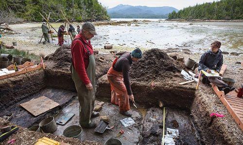 Phát hiện dấu chân người tiền sử có niên đại 13.000 năm ở Canada - Ảnh 1