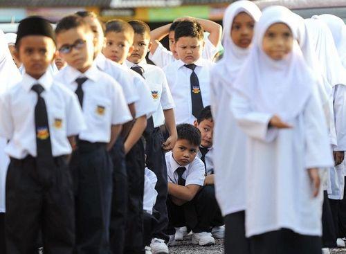 Mỹ, Pháp và những nước cho phép giáo viên đánh đòn, phạt quỳ học sinh - Ảnh 2