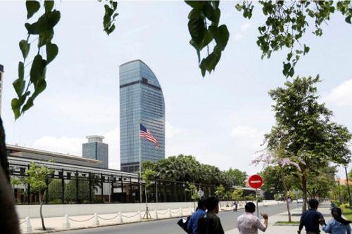 32 nhân viên đại sứ quán Mỹ tại Campuachia bị sa thải vì xem phim khiêu dâm - Ảnh 1