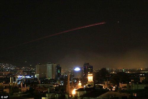Không lực Syria bắn hạ 13 tên lửa Mỹ  - Ảnh 1