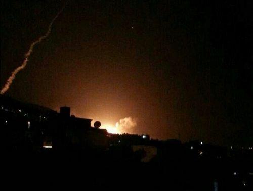 Những hình ảnh đầu tiên về cuộc tấn công của Mỹ ở Syria - Ảnh 1