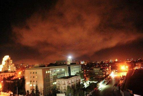 Những hình ảnh đầu tiên về cuộc tấn công của Mỹ ở Syria - Ảnh 4