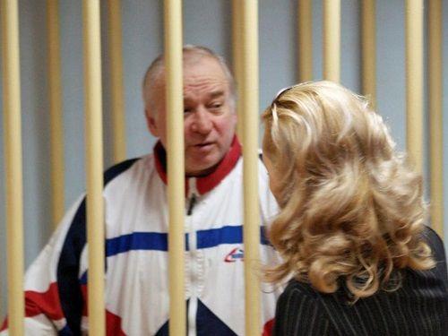 Nga bất ngờ tố Anh đứng sau vụ đầu độc cựu gián điệp Skripal - Ảnh 1