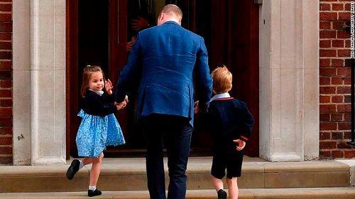 Vợ chồng Hoàng tử William và Công nương Kate chào đón con trai thứ 3 - Ảnh 2