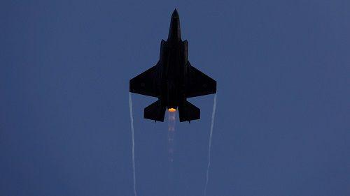 Chiến đấu cơ Israel ồ ạt tấn công tên lửa vào Syria - Ảnh 1