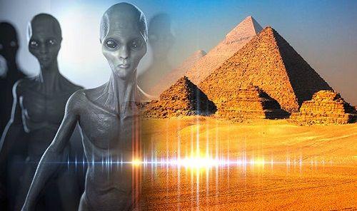 Nghiên cứu: Người ngoài hành tinh có thể đã giúp Ai Cập xây Kim tự tháp Giza - Ảnh 1