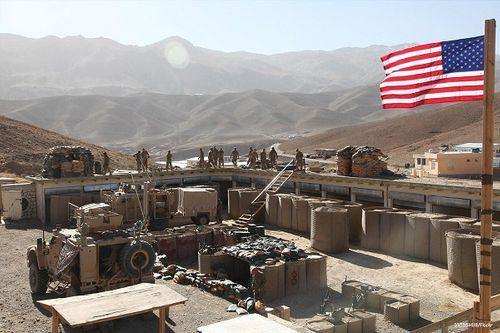 Mỹ rút quân khỏi phía Tây Bắc Syria, giảm viện trợ lực lượng đối lập - Ảnh 1