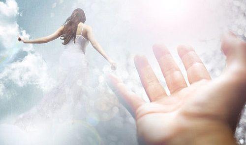 Bí ẩn cuộc sống sau cái chết: Người phụ nữ nhìn thấy tương lai và việc đầu thai - Ảnh 1
