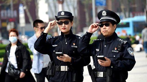 Máy quét của cảnh sát Trung Quốc: Lấy mật khẩu điện thoại, dữ liệu cá nhân trong vài giây - Ảnh 1