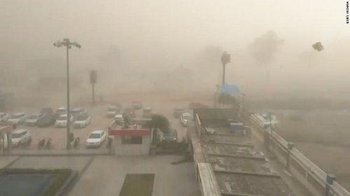 Số người thiệt mạng vì bão bụi ở Ấn Độ lên tới hơn 110 người  - Ảnh 1
