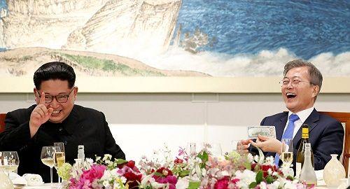 Ông Kim Jong-un được sinh viên Hàn Quốc quý mến sau hội nghị liên Triều - Ảnh 1