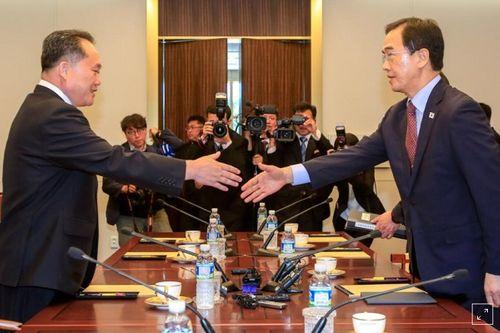 Triều Tiên muốn tổ chức lễ kỷ niệm hội nghị liên Triều với 2.000 người tham gia - Ảnh 1