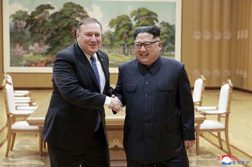 Nhìn lại gần 7 thập kỷ quan hệ ngoại giao Mỹ - Triều Tiên qua ảnh - Ảnh 28