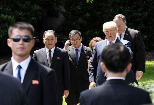 Nhìn lại gần 7 thập kỷ quan hệ ngoại giao Mỹ - Triều Tiên qua ảnh - Ảnh 29