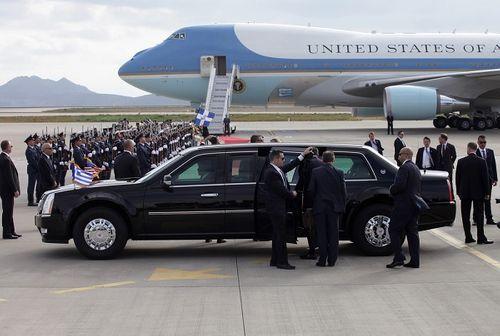 """10 sự thật ấn tượng về những siêu xe """"Quái thú"""" bảo vệ Tổng thống Mỹ - Ảnh 1"""
