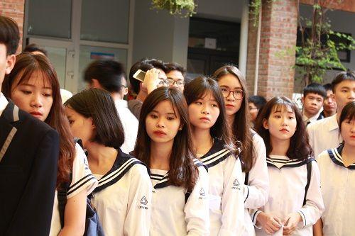 """Học sinh trường Lương Thế Vinh làm triển lãm """"Dấu ấn"""" tưởng nhớ thầy Văn Như Cương - Ảnh 5"""