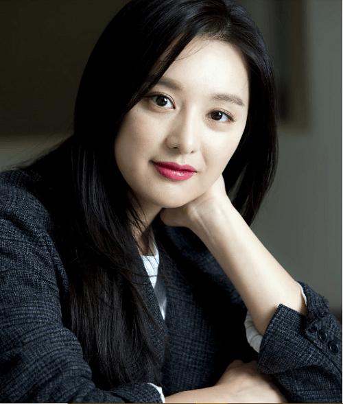 """Sau 2 năm đóng máy """"Hậu duệ mặt trời"""", Song Joong Ki và Kim Ji Won sẽ tái hợp trong phim mới  - Ảnh 2"""
