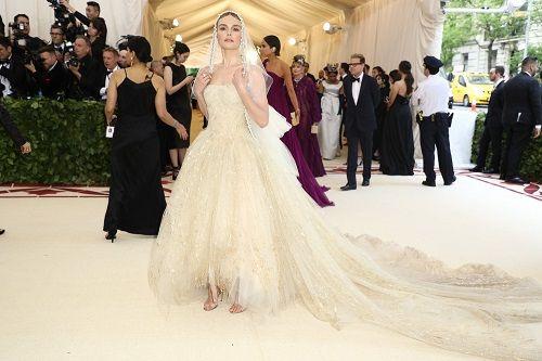 Ngắm loạt sao Hollywood lộng lẫy trên thảm đỏ Met Gala 2018 - Ảnh 9